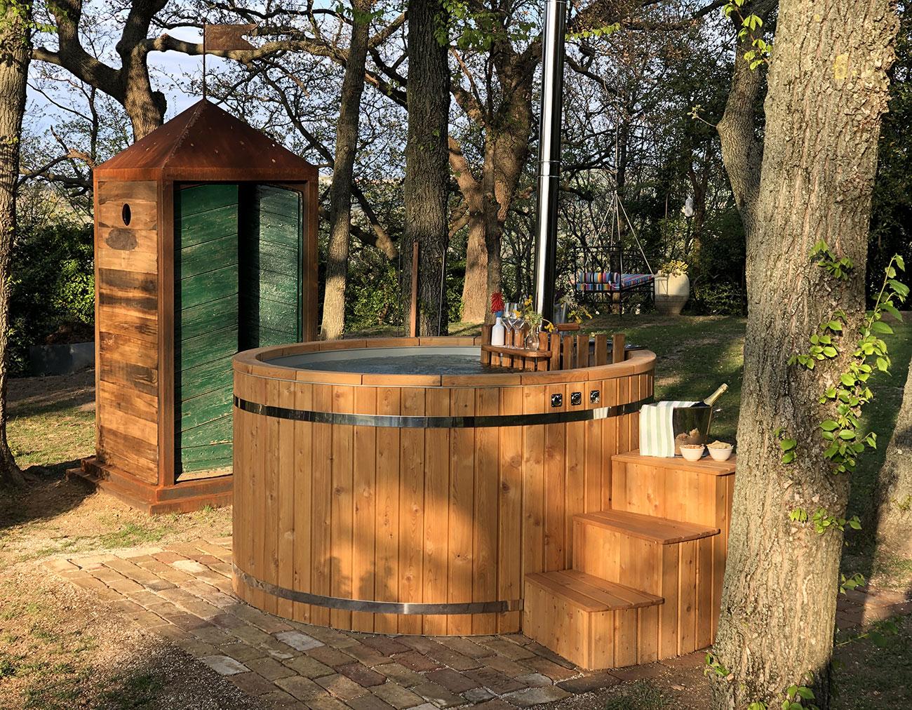 Natural hot tub il piacere di un bagno caldo all 39 aperto for Bagno caldo durante il ciclo