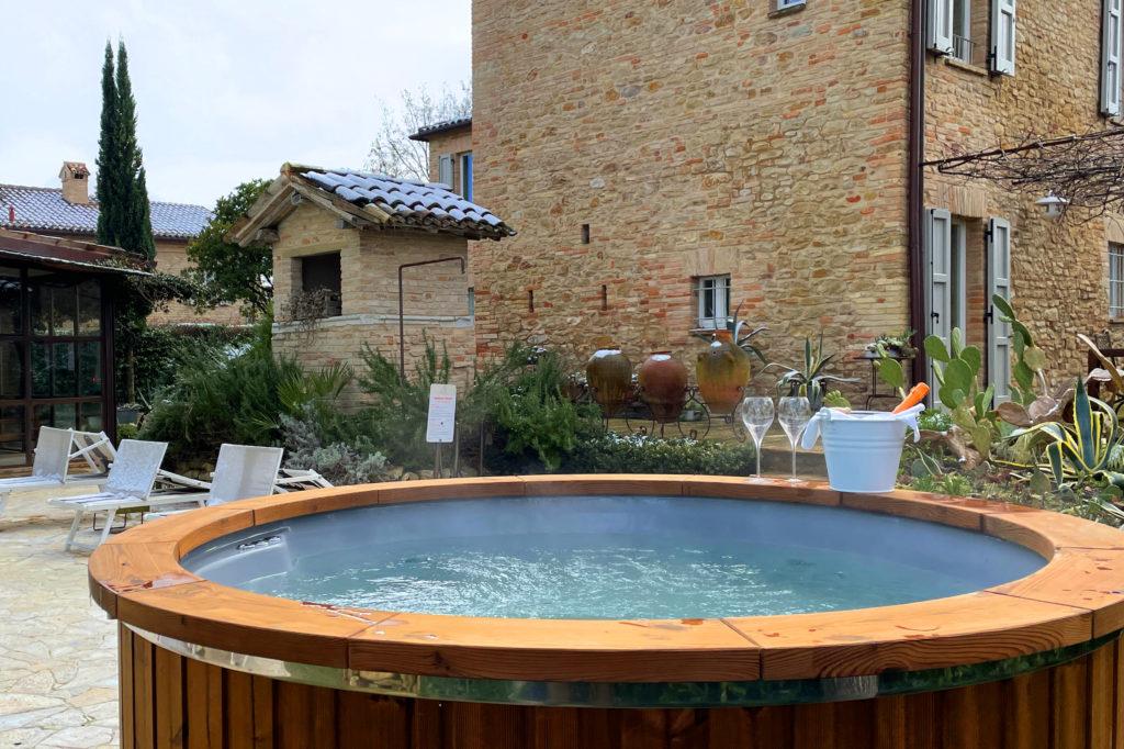 Poll Natural Hot Tub - Castello di Granarola - Natural Spa