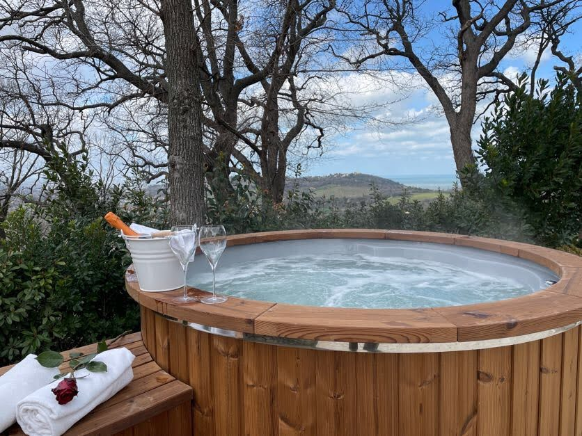 Pool Natural Hot Tub Natural Spa - Castello di Granarola